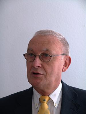 Prof. Dr. Wolfgang Schütz